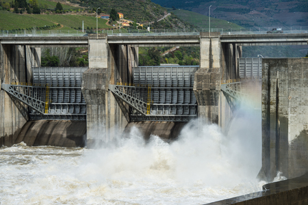 hydroelectric energy: Hydroelectric dam, Electricity, Energy, Douro Valley, Portugal