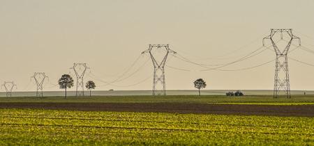 torres de alta tension: Power line, electricity pylons Landscape Champagne France Foto de archivo