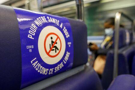 Sticker in Paris Metro during Covid-19 pandemic