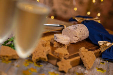 Festive canape, gingerbread toast and foie gras, french traditional festive gastronomy Stock fotó