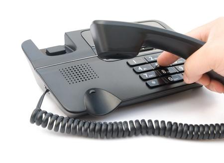 dialing: hombre marcando un tel�fono