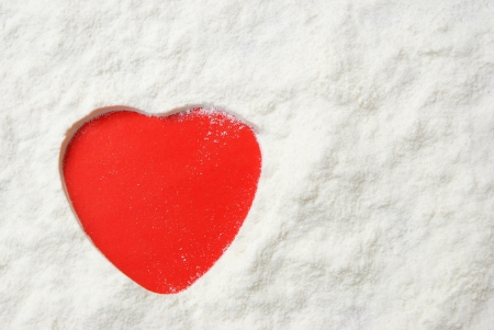 powder milk and red heart Stock Photo - 18153767