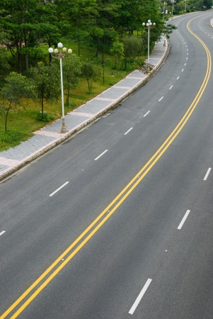 winding road with 4 lanes