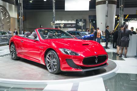 expositor: Guangzhou, China - 25 de noviembre: s�per coches de Maserati, presentados en la 12� exposici�n internacional del autom�vil de China de Guangzhou el 25 de noviembre de 2014 en Guangzhou, Guangdong, China.