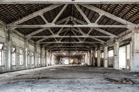 undecorated: Empty industrial loft in an architectural background