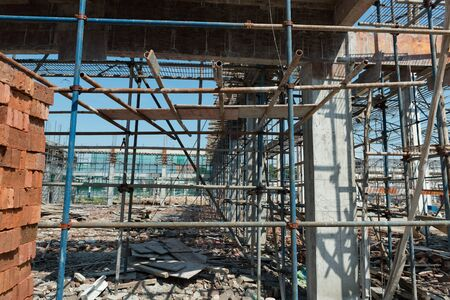 construction site with frames and scaffoldings 免版税图像