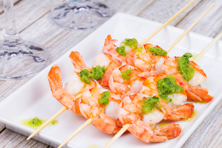 sause: Shrimps with green butter sause