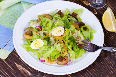 food dressing: Caesar Salad with Marinated Mushrooms