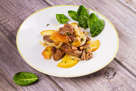 sauteed: Chicken liver with apple, spinach and onion