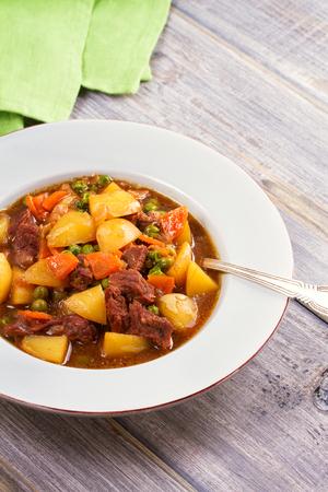Irish beef stew Zdjęcie Seryjne - 90137428