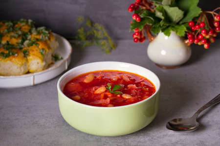 Soup made with vegetables, meat, bean and beet root: borsht, bortsch, borshch, borscht. Traditional dish in Ukraine, Russia, Poland Imagens