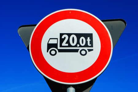 traffic signal, transit ban trucks weighing over 20 tons Stock Photo - 8484625