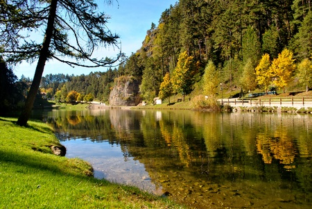 paysages: Magic mountain lake automne