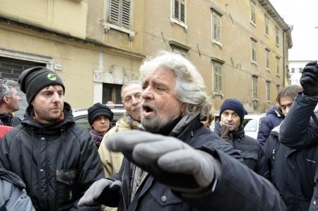 """showman: Rovereto, Italia - 16 de diciembre: La figura de empresario y pol�tico, Beppe Grillo, se presentan los candidatos a las elecciones de su movimiento pol�tico llamado """"Movimento Cinque Stelle"""" 16 dic 2012 en Rovereto, Italia."""
