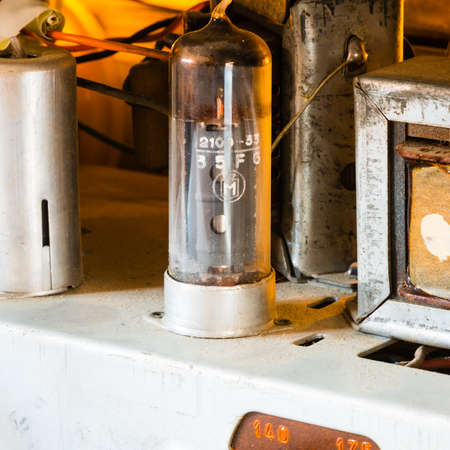 triode: Tube power amp in old vintage radio