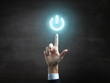 konzepte: schöne Hand Business männliche Macht auf das Symbol anzeigt.