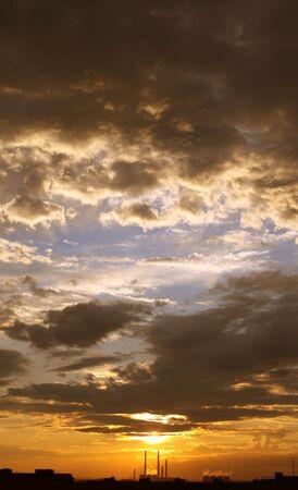 industrial landscape: Paesaggio industriale - bel tramonto e fabbrica tubi
