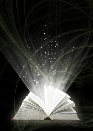 writing book: Verticale sfondo di colore nero con il libro magico