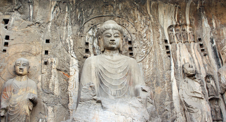 wei: Longmen Grottoes with Buddhas statue, Luoyang, China