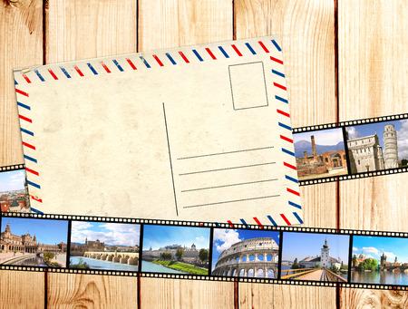 Grunge achtergrond met oude filmstrips en een ansichtkaart