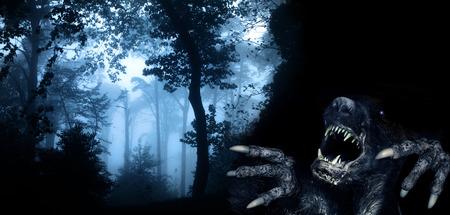 Gespenstische Monster im nebligen Wald