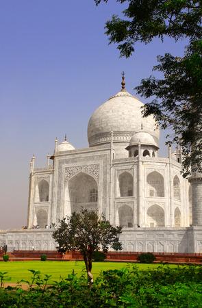 love dome: Famous Taj Mahal mausoleum in Agra, India Stock Photo