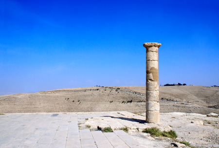 Column and ruins of King Herod's fortified palace Machaeros (Mukawir). Here Herod Antipas ordered the beheading of John the Baptist at the request of Salome as a reward for dance. Jordan, Middle East Zdjęcie Seryjne