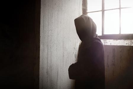guadaña: El Reaper misterioso y aterrador que mira fijamente usted