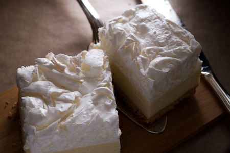 Cheesecake with a meringue topping