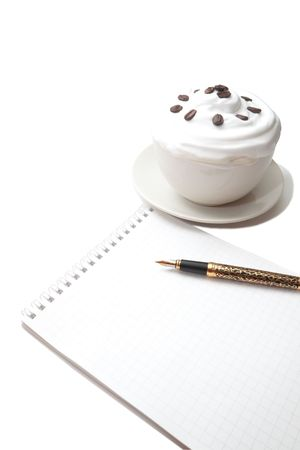 musetti: Notepad with a pen and a cup of coffee ice cream