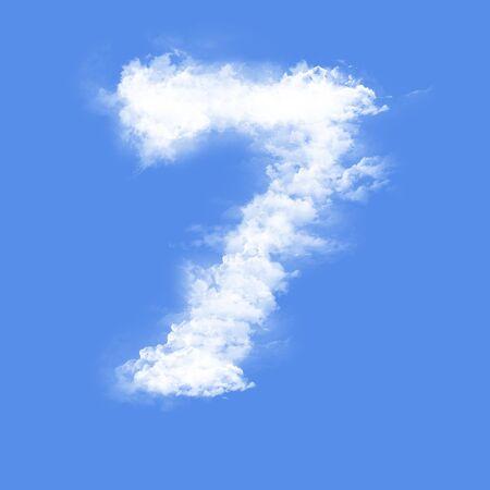 sept: nuages en forme de figure sept Banque d'images