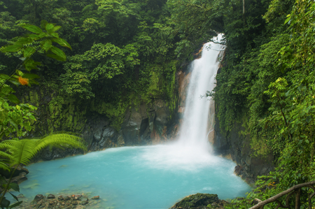 The beautiful Rio Celeste waterfall 免版税图像 - 55619409