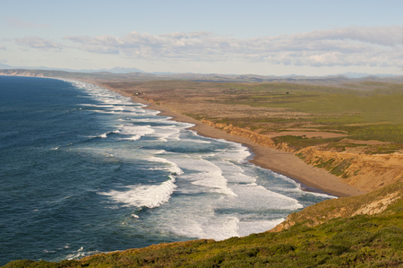 Looking out at the ocean and Sierra Mountain Range from Point Reyes Imagens