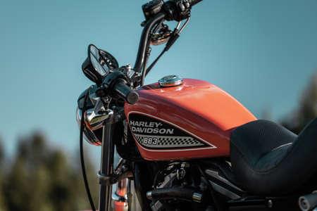 Russia-July 7, 2018: Orange Harley-Davidson Sportster 883 Roadster Éditoriale