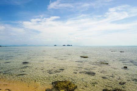 穏やかな海の風景