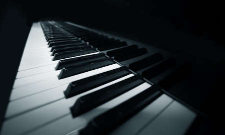 piano: Grand piano �bano y marfil claves