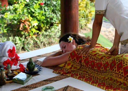 White woman on massage in Bali salon Standard-Bild