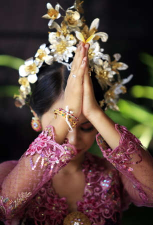 indian tradition: The Indonesian bride prays. Bali. Indonesia
