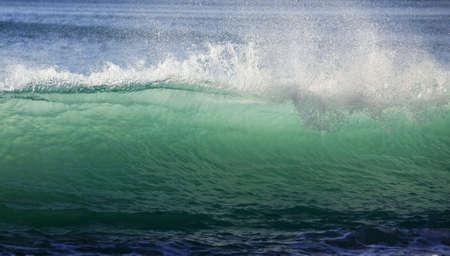 granola: Gran ola de accidentes de la costa. Oc�ano �ndico