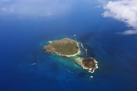 mauritius: Luchtfoto van klein eiland in de buurt van eiland Mauritius