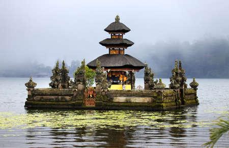 bratan: Water temple at Bratan lake, ulun danu bedungul, Bali. Indonesia