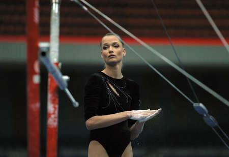 deportes olimpicos: Conocido gimnasta Svetlana Horkina