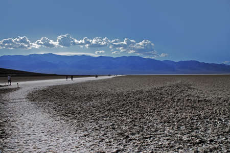deepest: Bad water, deepest point in the USA, Saltsee mixed with minerals in the Desert Valley, deeper than sea level