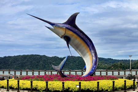 pez espada: Pez espada monumento es uno de los lugares más increíbles de la ciudad de Kota Kinabalu
