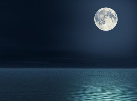 noche y luna: La luna llena y las estrellas sobre el mar