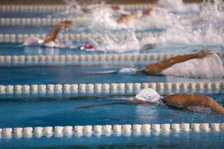 piscina olimpica: MILAN, ITALIA - 30 DE JUNIO: Federica Pellegrini en Aspria Piscina Cup, evento de la noche del 30 de junio de 2011 en Mil�n (Italia) Editorial