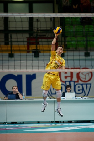 reggio emilia: MONZA, ITALY - NOVEMBER, 25  Orduna   Conad Reggio Emilia   in Vero Volley  Monza   white   vs Conad Reggio Emilia    Yellow  -Italian Volley A2 League on 2012 Novermber, 25 in Monza  Italy  Editorial