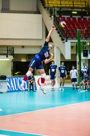 alberto: MILAN, Italia - OCTUBRE 28: Alberto Elia (2) en Vero Volley Monza - Materdomini: 3-0 (Volley Liga Italiana A2) el 28 de octubre de 2013 en Mil�n, Italia