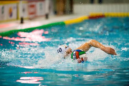piscina olimpica: MILAN, 30 de enero: G. Bini (10, Bpm Sport Management) en el juego BPM Gesti�n del Deporte - Como Nuoto el 30 de enero de 2015, Mil�n (Italia).