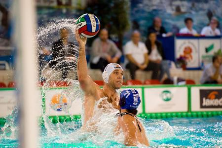 piscina olimpica: MILAN, 30 de enero: B. Ivovic (Bpm Sport Management) en el juego BPM Sport Management - Como Nuoto el 30 de enero de 2015, Mil�n (Italia). Editorial